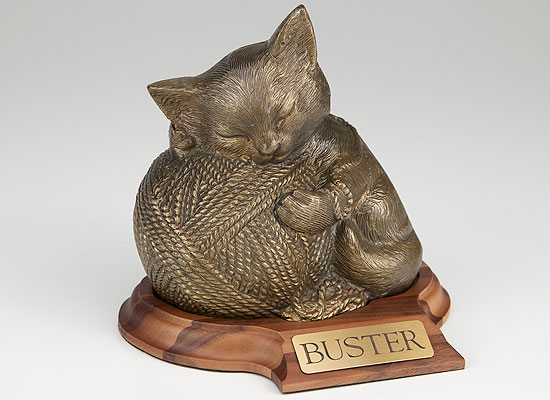 Precious Kitty - Gold with base